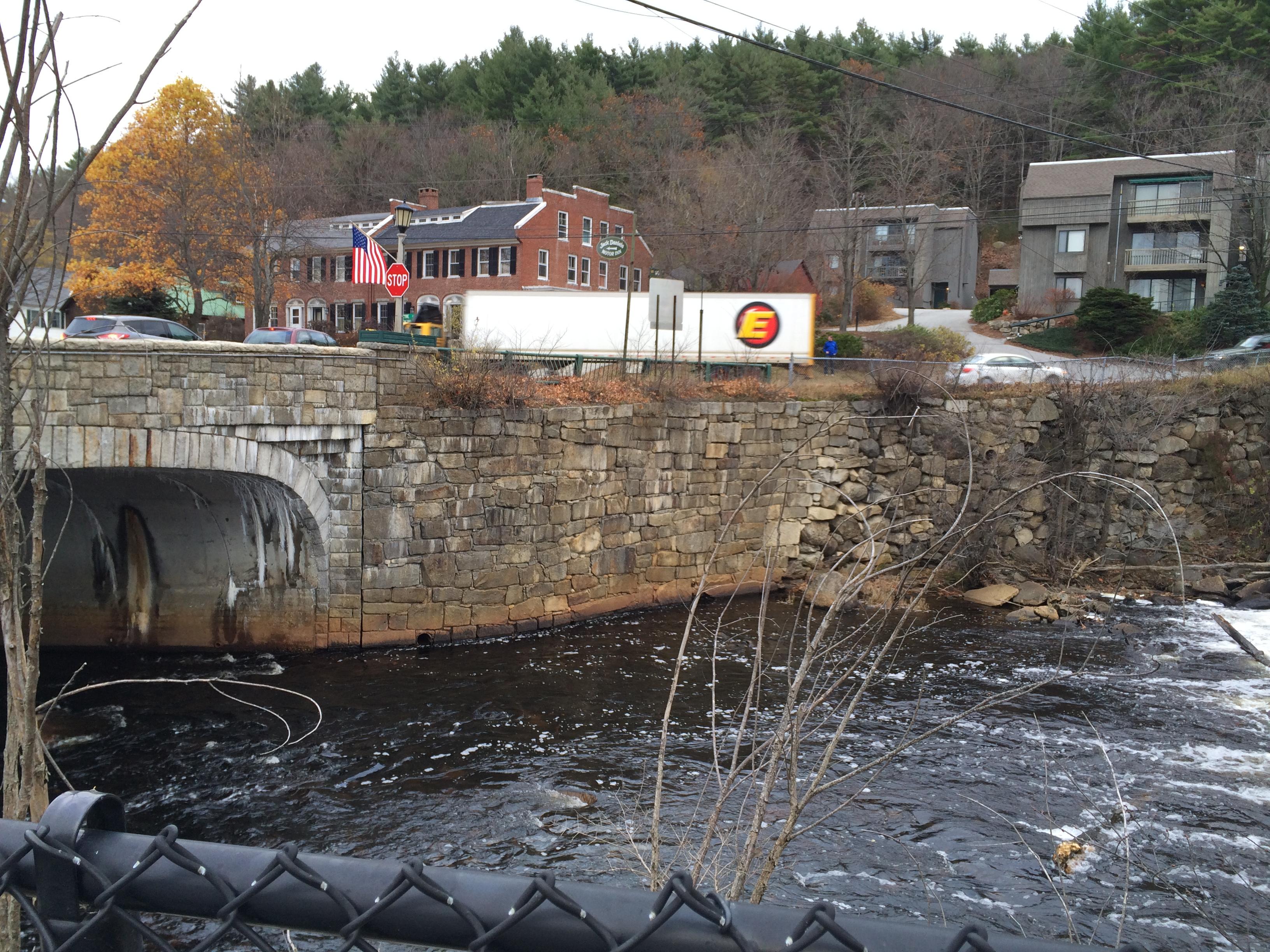 Southeast Retaining Wall Adjacent to Main St Bridge